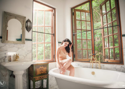 Kimmay wearing peach bralette and panty in Puerto Rico bathtub