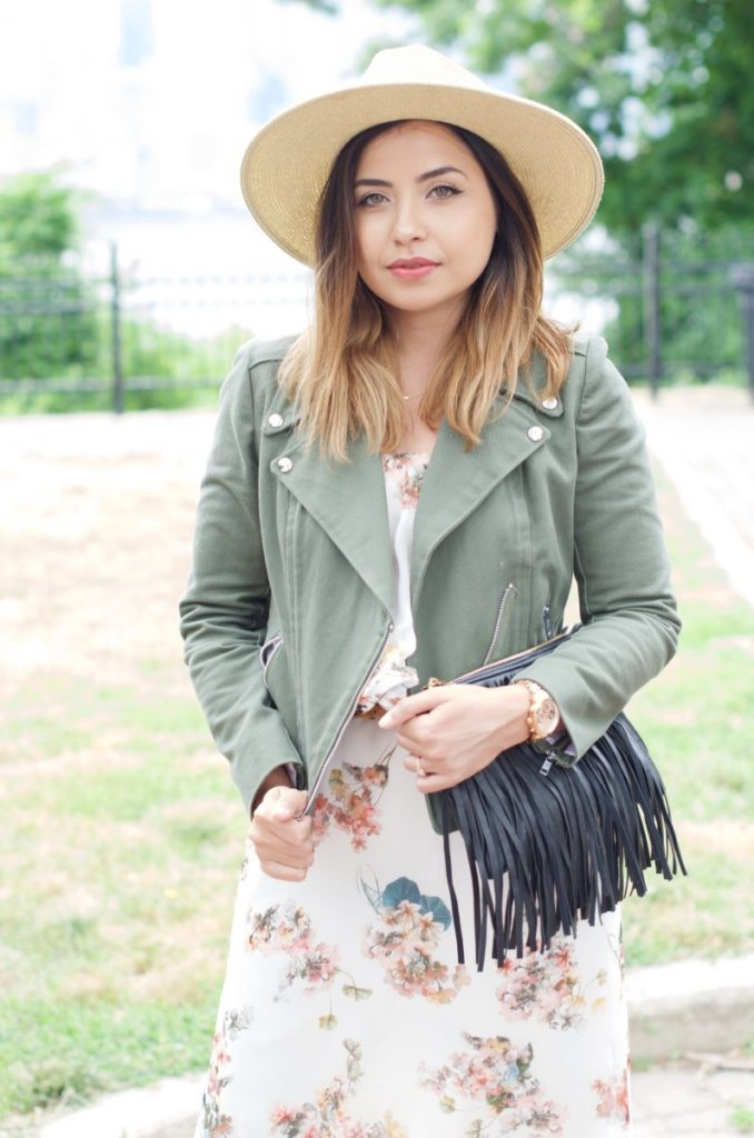 Lisa from the style theory wearing moto jacket and fringe bag, interview with hurray kimmay