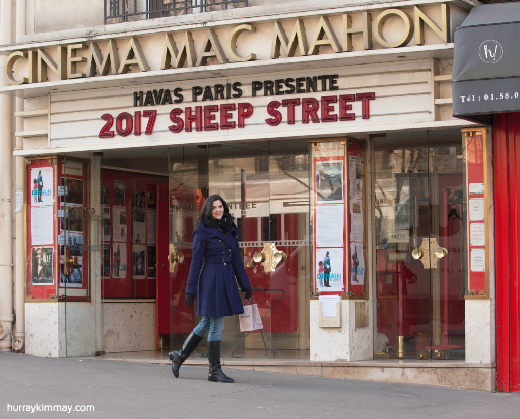 Kimmay at movie theater in Paris -Date Yourself blog Hurray Kimmay