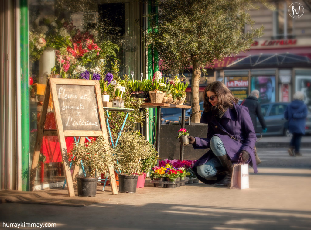 Kimmay buying flowers in Paris, Date Yourself HK blog