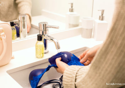Kimmay washing blue bra with soak Hurray Kimmay blog