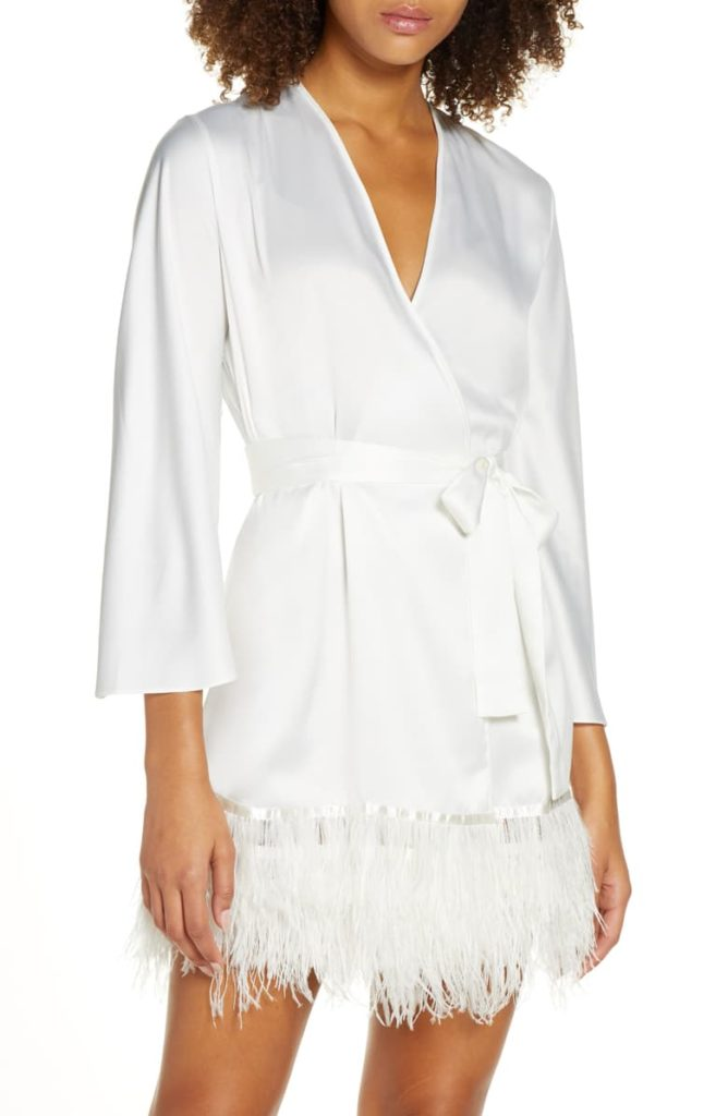 This swan cover up from Rya is so luxurious! Kimmay shares how to style this robe out & about in the Hurray Kimmay blog.